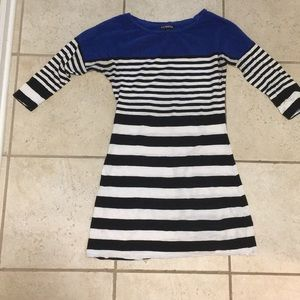 Tunic with black stripes
